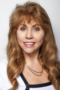 An image of Dr. Ruane Lipkie, a certified psychologist and a member of the Australian Psychological society with over 24 years of experience.